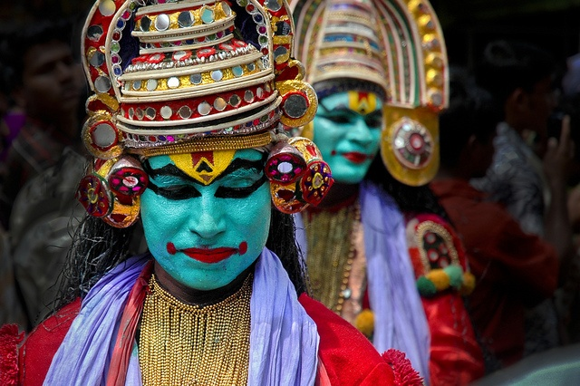 kerala festivals, onam festival celebrations, cheap flight tickets to India, kathakali dance