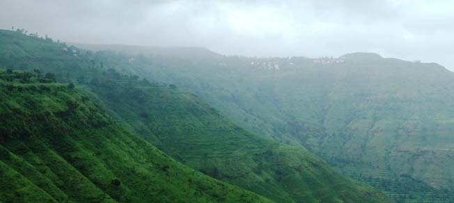 overivew of Panchgani, Maharashtra hill stations, getaways from Mumbai, cheap flights to mumbai