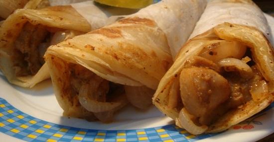 Kolkata street food guide, Kolkata street food experience, best street food in Kolkata