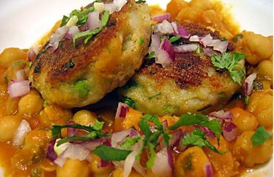 Aloo ki tikki, delhi chaats, agra chaat, best cuisine of agra