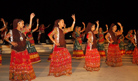 Kutch embroidery, kutch festival details, folk dance in rann utsav, festivals of India