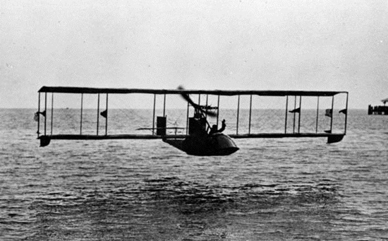 the first flight in the world, first flight in 1914, history of aviation,