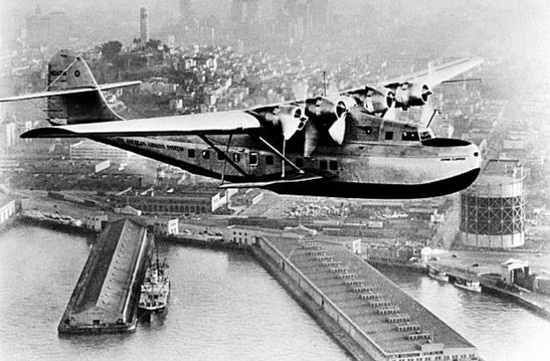 firs flight in the world, first transpacific flight, aviation history,