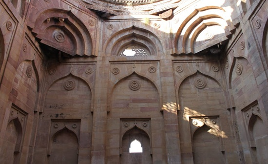 Chanderi fort, Madhya Pradesh tourism, Bundelkhand tourism, Gulabi Gang Sampat Pal