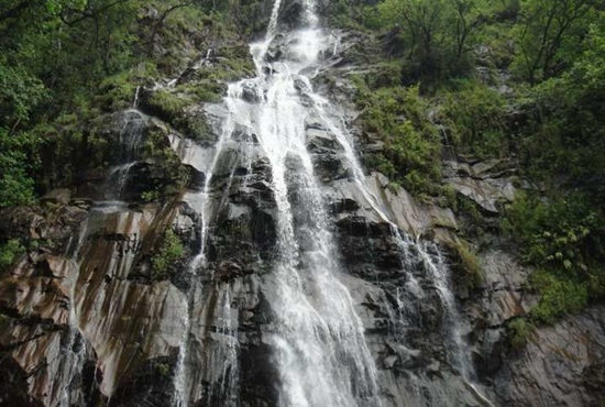 waterfalls in Pachmarhi, madhya pradesh tourist guide, Pachmarhi tourist attractions,