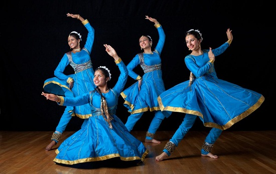 Kathak dancers, Indian classical dance forms, Indian Eagle travel blog