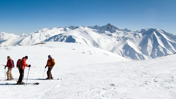 gulmarg skiing in kashmir, kashmir adventure travel blogs, summer india travel