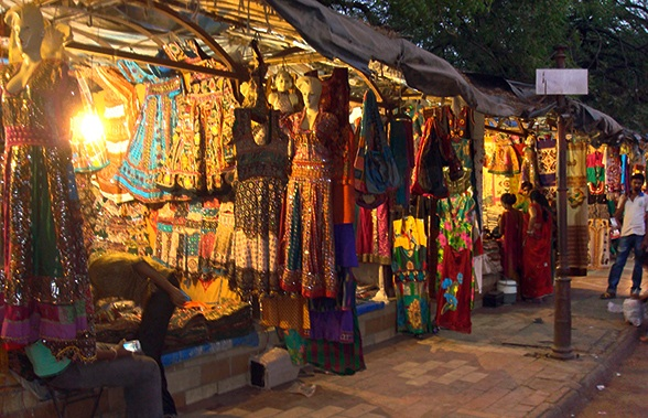 night market in Ahmedabad, gujarat handicraft textile market