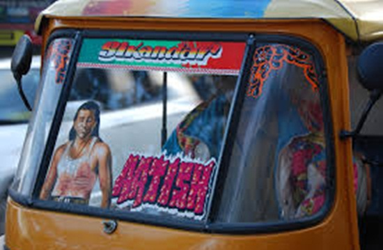 autorickshaws with bollywood movie posters, autorickshaws in hindi movies, story of auto ride in India