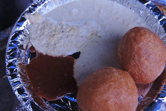 streetfood of Hyderabad, hyderabadi snacks, Indian Eagle travel blog