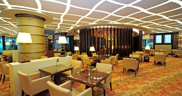 cheap flights with emirates, emirates first class lounges, Emirates lounge at Dubai international airport