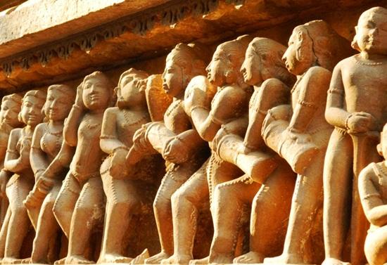 khajuraho history, temples of khajuraho, erotic khajuraho architecture