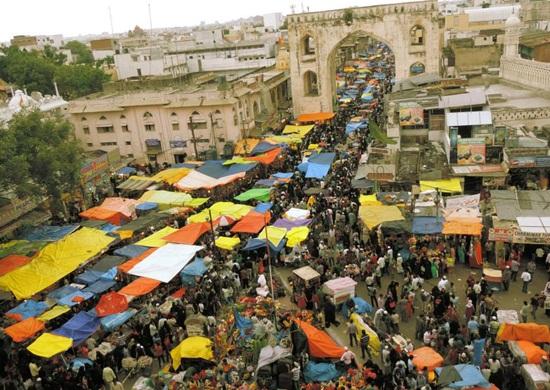 ramazan bazaar around Charminar, Old city market Hyderabad