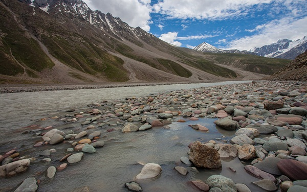 streams in himalayas, hill stations of india