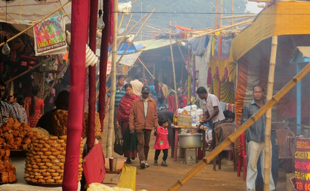 delicacies of rural Bengal, rural cuisine of Bengal, Poush Mela Shantiniketan overview, IndianEagle