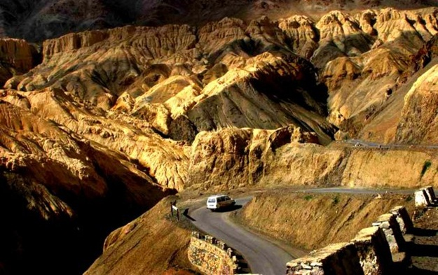 Road trips in Himalayas, India's best road trips, Zanskar to Leh road trip