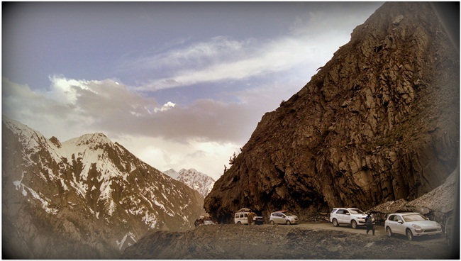 Ladakh road trips, road trips in India, IndianEagle travel booking