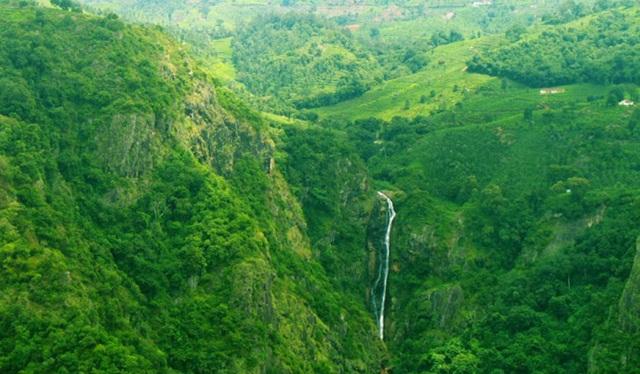 Nilgiri Railways in Coonoor, Tamil Nadu hill stations, summer travel ideas, IndianEagle flights