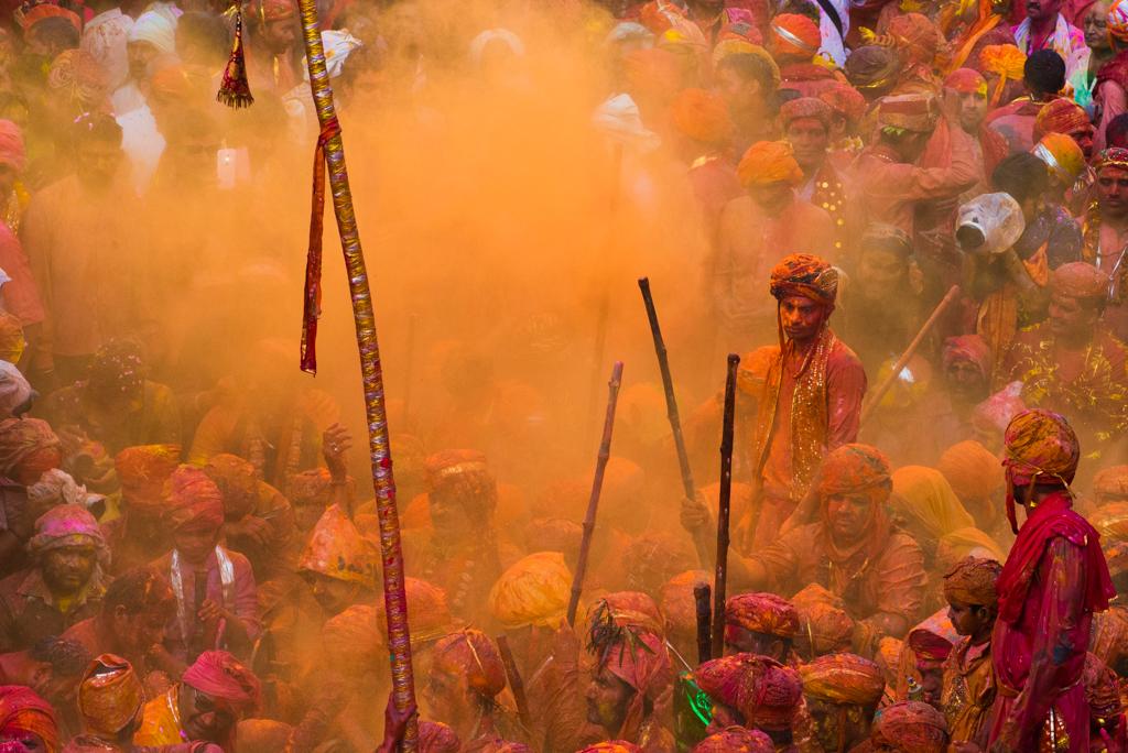 Holi in India, pictures of holi festival, Lath mar holi in Barsana, IndianEagle travel