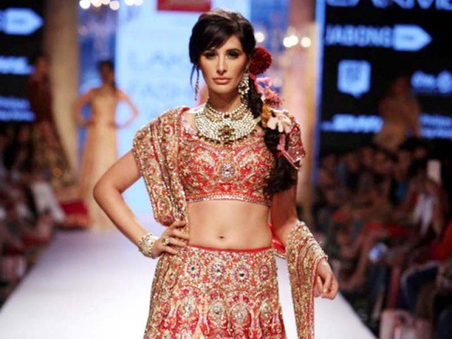Nargis Fakhri in Lakme India fashion week 2015, suneet varma show, bridal fashion of India