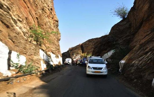 delhi to ajmer road trip, weekend getaways from Delhi, IndianEagle travel booking