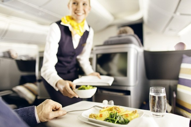 lufthansa inflight meals, lufthansa business class, inflight meals services, Indian Eagle travel blog