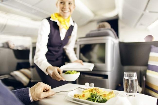 lufthansa inflight meals, lufthansa business class, inflight meals services, Indian Eagle travel blog