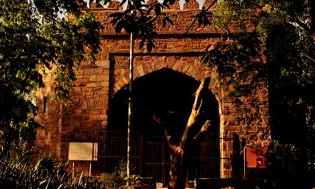 Delhi attractions, old delhi things, khooni darwaza delhi, interesting facts about India