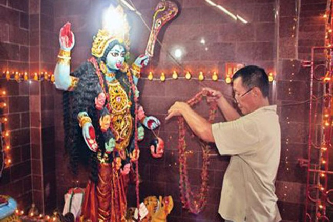 Kolkata places to visit, Chinese Kali temple Kolkata, interesting Indian temple stories