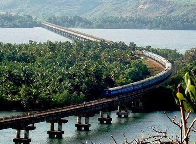 Indian Railways, India's longest bridge, Katni Madhya Pradesh, Vembanad rail bridge Kerala