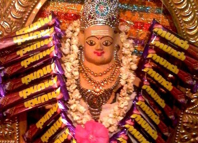 munch murugan kerala, offbeat indian temples, unusual offerings to deities