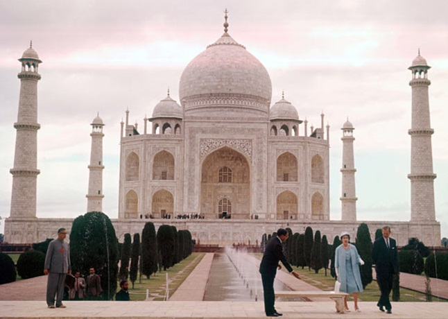 Queen Elizabeth in India, Taj Mahal Agra, history of Taj Mahal