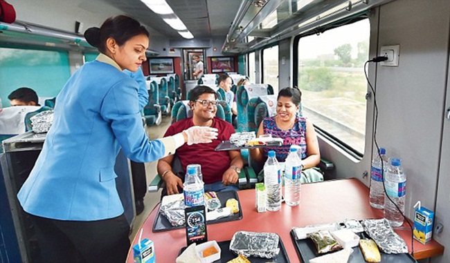 Indian Railways, Gatimaan Express, travel by train, train journeys in India