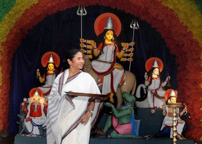 Suruchi Sangha puja, Kolkata durga puja, Mamata Banerjee durga puja song
