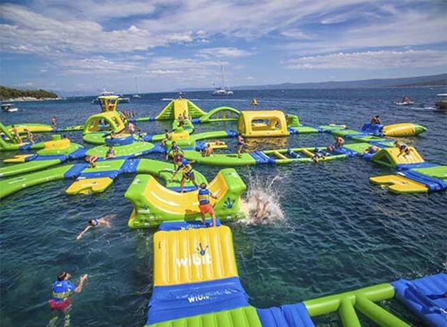 Grapevine Lake Floating Water park, Texas Grapevine Lake Altitude H20, Texas USA news